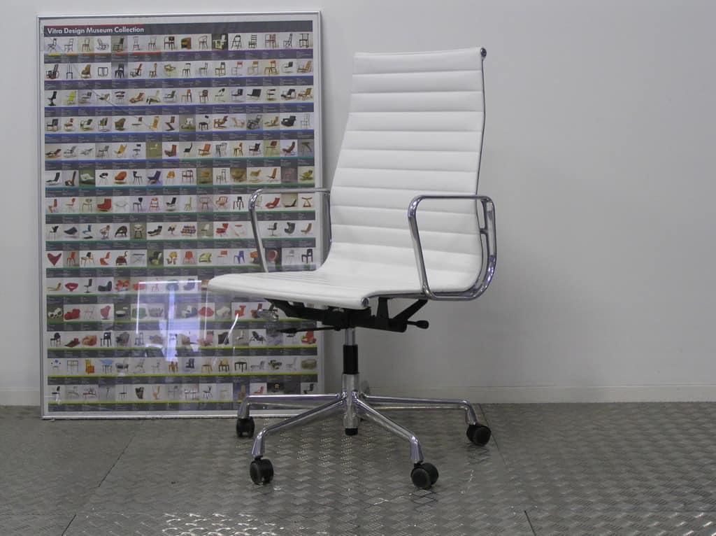 Twee vitra eames ea 119 aluminium wit leder dodesign - Originele eames fauteuil ...